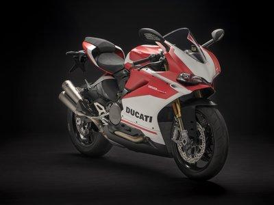 Ducati 959 Panigale Corse: la Panigalina se viste de carreras con Öhlins y Akrapovic
