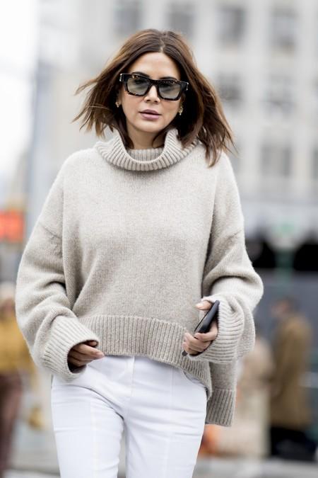 Cashemire, lana merino, algodón... Los materiales de los jerséis ordenados de mejor a peor (para que sepas cuál elegir si no quieres que le salgan bolas)