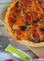 Receta de pizza de salami pepperoni e funghi