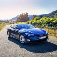 Tesla patenta una nueva celda de batería de iones de litio para aumentar la vida útil y hacer caer los costos