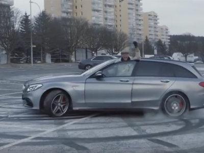 Este abuelo de 82 años conduce su Mercedes-AMG como si fuese un piloto de rally