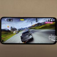 Nova 4 y Galaxy A8s: así son los primeros smartphones de Huawei y Samsung con agujero en la pantalla