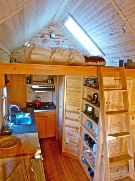 Ci Pad Tinyhouses Home Interior S3x4 Jpg Rend Hgtvcom 1280 1707