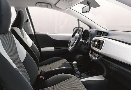 Toyota Yaris SoHo Interior