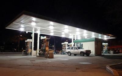 Gasolina y el gasóleo suben precios levemente antes del puente de agosto