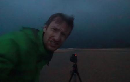Este fotógrafo nos muestra lo que nos puede pasar si pretendemos fotografiar una tormenta desde demasiado cerca