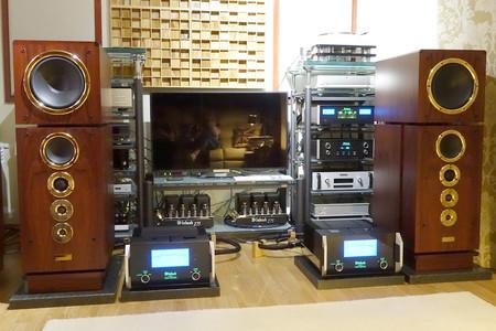 El equipo de sonido de Juan Carlos López