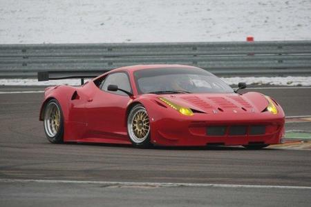 El Ferrari 458 Italia GT2 da sus primeros pasos
