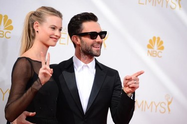 #Emmys2014, <em>love is in the air</em>, entre parejas anda el juego