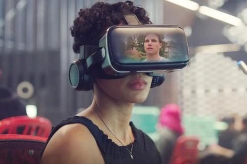 'Upload' demuestra que se puede replicar la contundencia del mejor 'Black Mirror' sin perder el humor