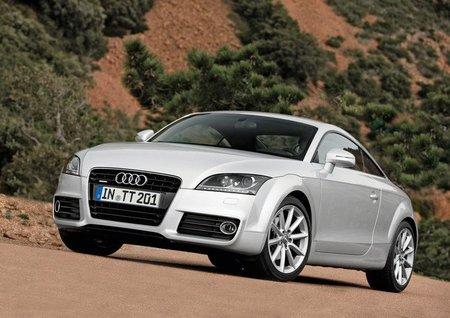 """Los Audi TT """"básicos"""" reciben el cambio S tronic"""