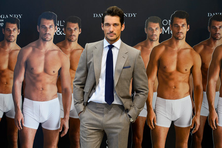 """Los """"incel"""" han comenzado a operarse para ser más guapos y masculinos, y así tener más sexo"""