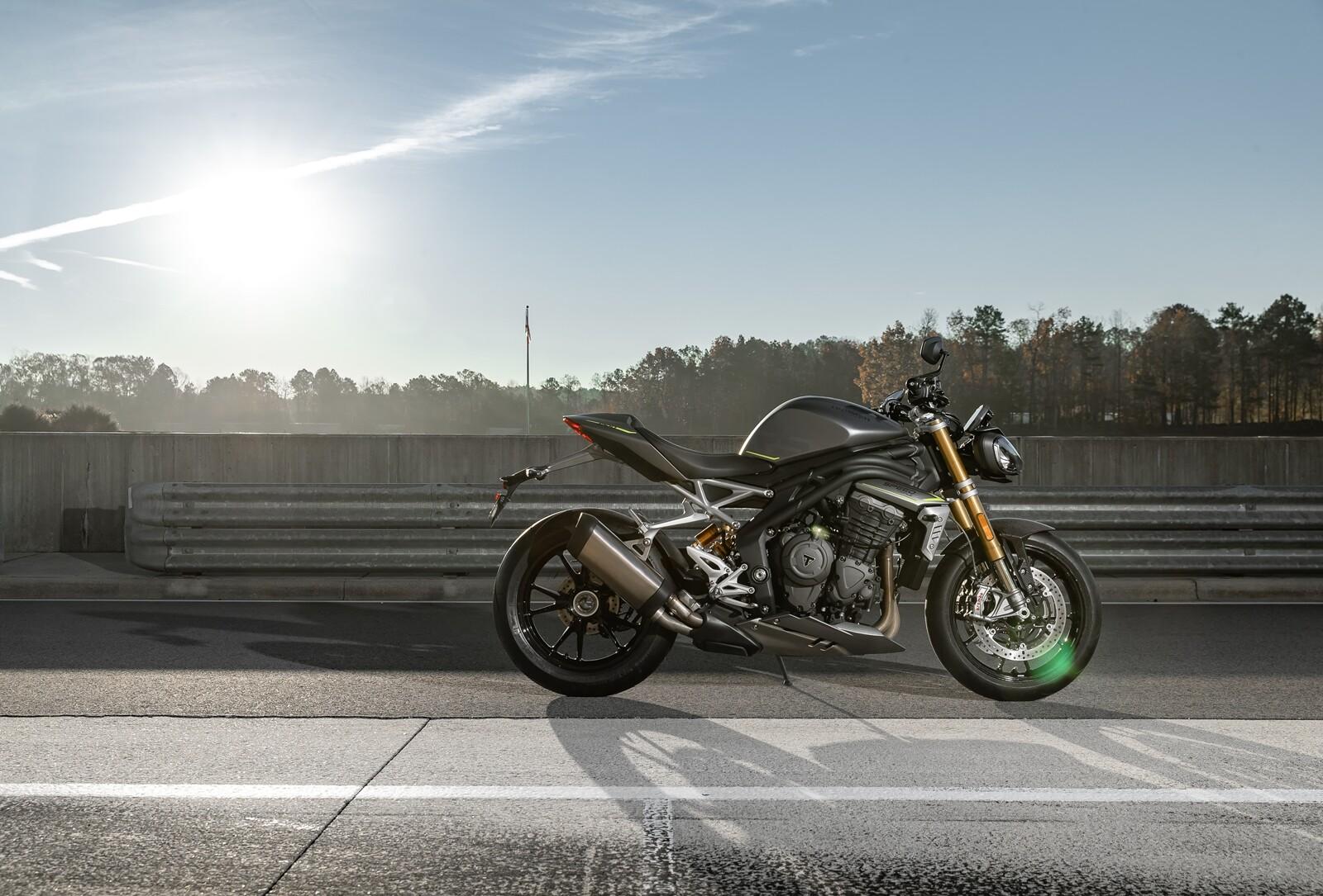 Foto de Triumph Speed Triple 1200 RS 2021 (41/71)