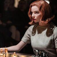 """'Gambito de dama' deja más que récords de visionados: es la prueba del poder de Netflix para """"revitalizar"""" algo como el ajedrez"""
