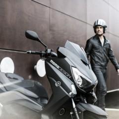 Foto 8 de 15 de la galería yamaha-x-max-400-momodesign-en-accion en Motorpasion Moto