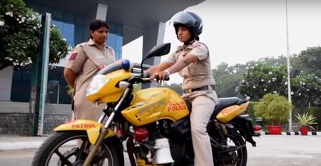 Mujeres Policia Moto India 1