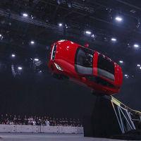 Jaguar E-Pace establece un Récord Guinness realizando un giro horizontal de 270º
