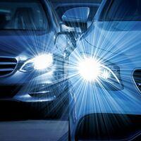 La DGT recuerda cómo hay que usar las luces del coche y por qué es importante hacerlo incluso de día