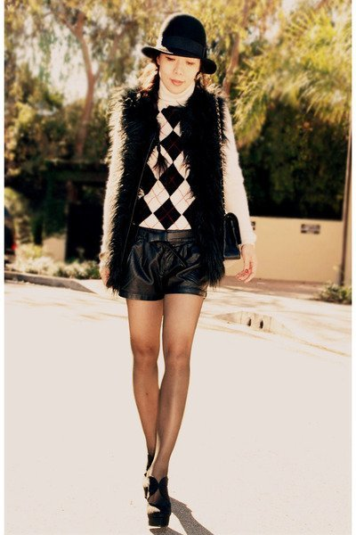 shorts cuero chaleco