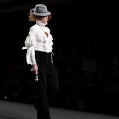 Foto 92 de 126 de la galería alma-aguilar-en-la-cibeles-madrid-fashion-week-otono-invierno-20112012 en Trendencias