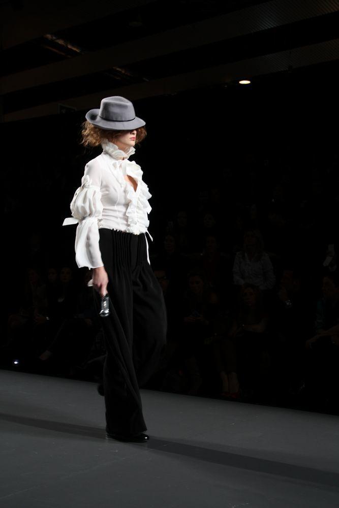 Foto de Alma Aguilar en la Cibeles Madrid Fashion Week Otoño-Invierno 2011/2012 (92/126)