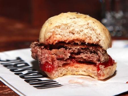La guerra del futuro de los alimentos: ¿se puede llamar carne a productos que no vienen de los animales?