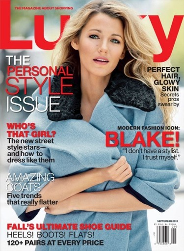 La muñeca de cera de Blake Lively sale de paseo: ¡vaya photoshopeado!