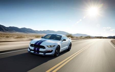 A subasta el primer Shelby GT350 2015 que salga de la línea de producción