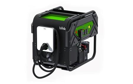 Este cargador de emergencia para coches eléctricos funciona con gasolina y promete hasta 1,6 km extra por minuto