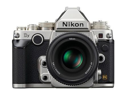 Nikon Df - Color Plata - Vista Frontal