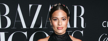 Ashley Graham o cómo es posible lucir un look de invitada atrevido estando embarazada