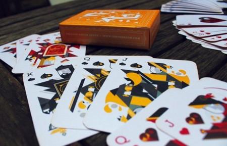 ¿Amante de los juegos de cartas? Aquí algunas de las barajas más molonas del momento para regalar estas Navidades