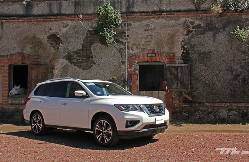 Nissan Pathfinder 2017: Precios, análisis y rivales en México