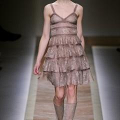 Foto 6 de 23 de la galería valentino-otono-invierno-20112012-en-la-semana-de-la-moda-de-paris-la-moda-esta-triste en Trendencias