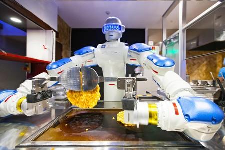 Muchos restaurantes futuristas funcionan solo con robots y la tendencia ha empezado a llegar a México