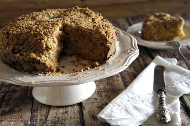 Cake de manzana con cobertura de nueces