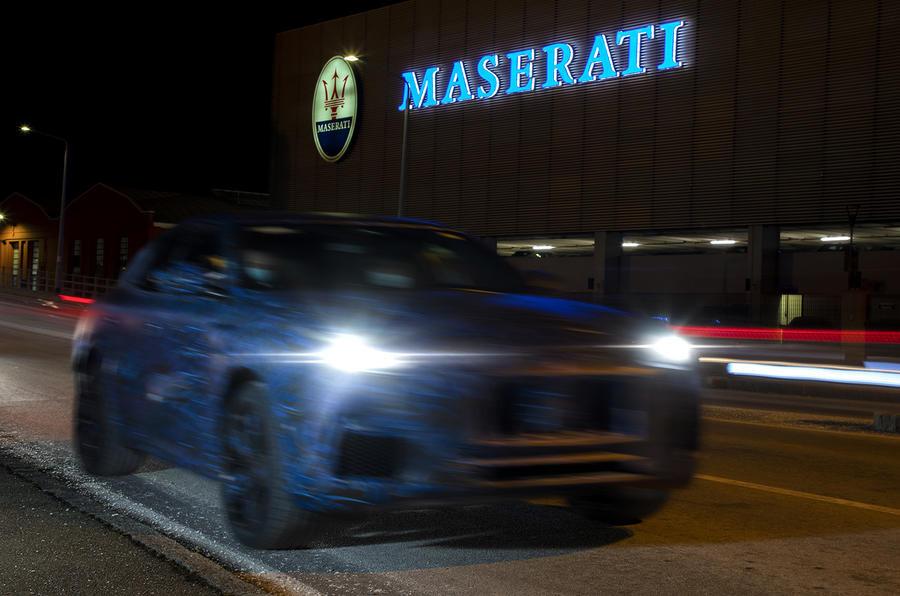 Maserati Grecale, el segundo SUV de la firma ya circula con camuflaje y fue captado infraganti