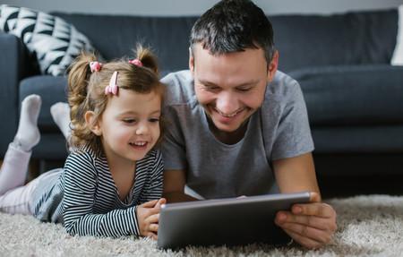 Más de 20 propuestas nacidas en redes para ayudar a las familias durante la cuarentena: cuentos, magia, orden en casa y más...