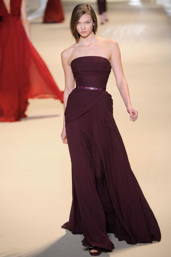 Foto de Elie Saab Otoño-Invierno 2011/2012 en la Semana de la Moda de París: la alfombra roja espera (10/32)