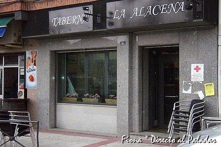 Taberna La Alacena, un pequeño gran local en Hoyo de Manzanares, Madrid