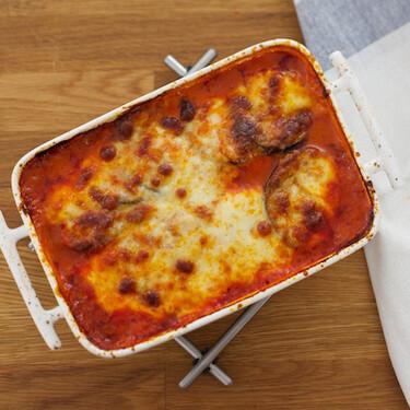 Asado de berenjena y mozzarella: receta sencilla para una comida socorrida
