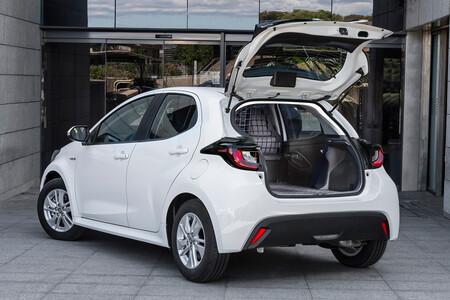 El Toyota Yaris ECOVan es un vehículo comercial híbrido en frasco pequeño por menos de 24.000 euros