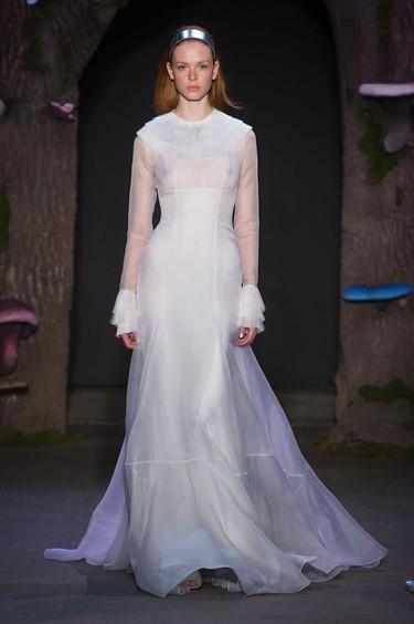 18 vestidos de pasarela para novias no convencionales