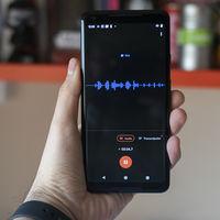 Así es como la grabadora de los Google Pixel es capaz de convertir voz a texto en tiempo real usando machine learning on-device