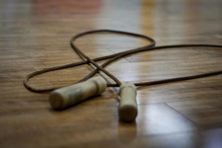 Saltar la cuerda: ejercicio barato y efectivo para bajar de peso