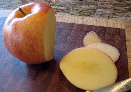 Apple corta por lo sano para ganar mercado