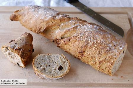 Receta fácil de pan retorcido de espelta con semillas y pasas