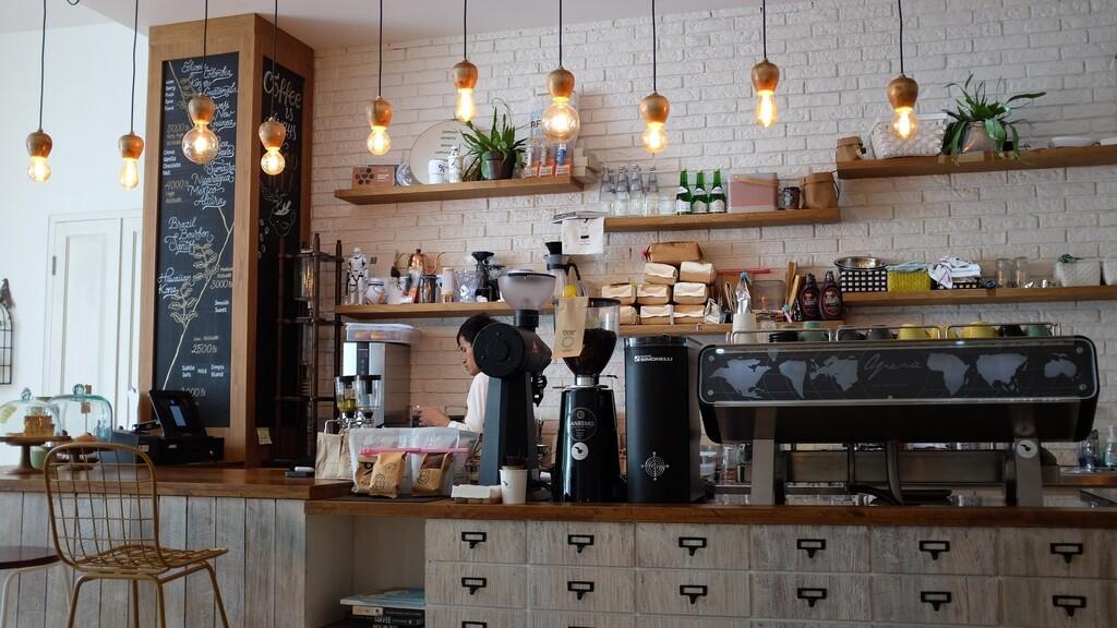 Si echas de menos el ambiente de las cafeterías, esta es tu web de sonidos para trabajar, estudiar o relajarte