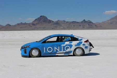 Hyundai Ioniq Hibrido 03