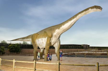 Abrazar un dinosaurio Dinópolis